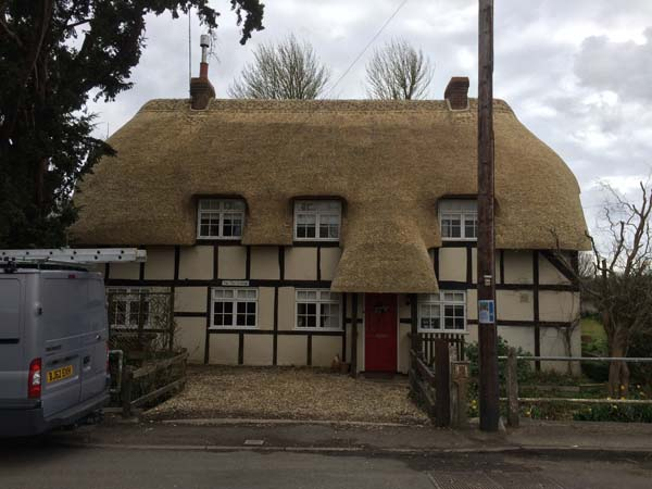 012 Total rethatch - Over Wallop - After (3)