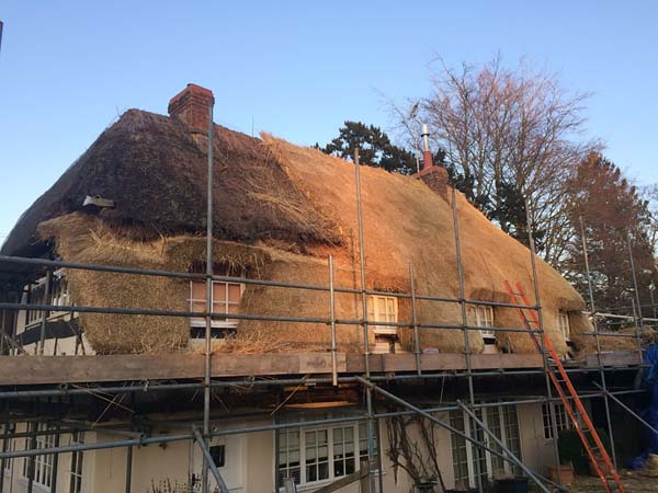 006 Total rethatch - Over Wallop - In Progress (4)